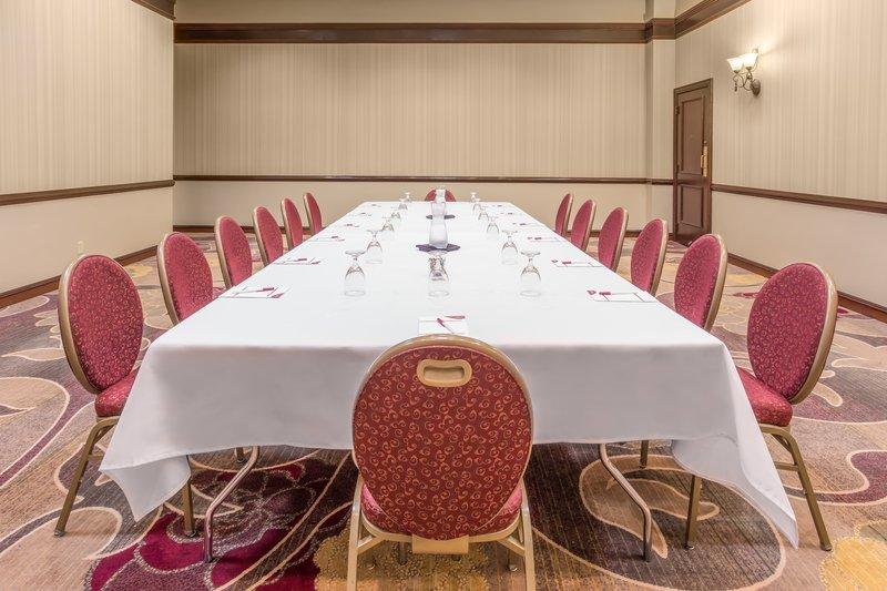 Crowne Plaza Dallas Galleria - Addison-Dogwood Conference Room<br/>Image from Leonardo