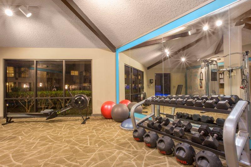 Crowne Plaza Dallas Galleria-Fitness Center<br/>Image from Leonardo