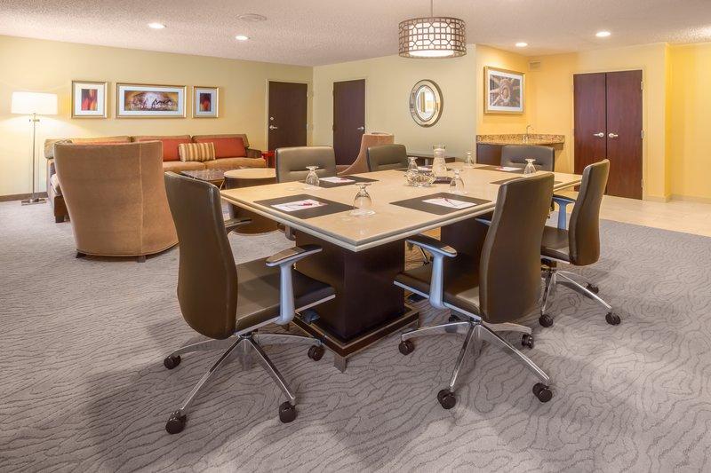 Crowne Plaza Dallas Galleria-Specialty Suite Conference Area<br/>Image from Leonardo