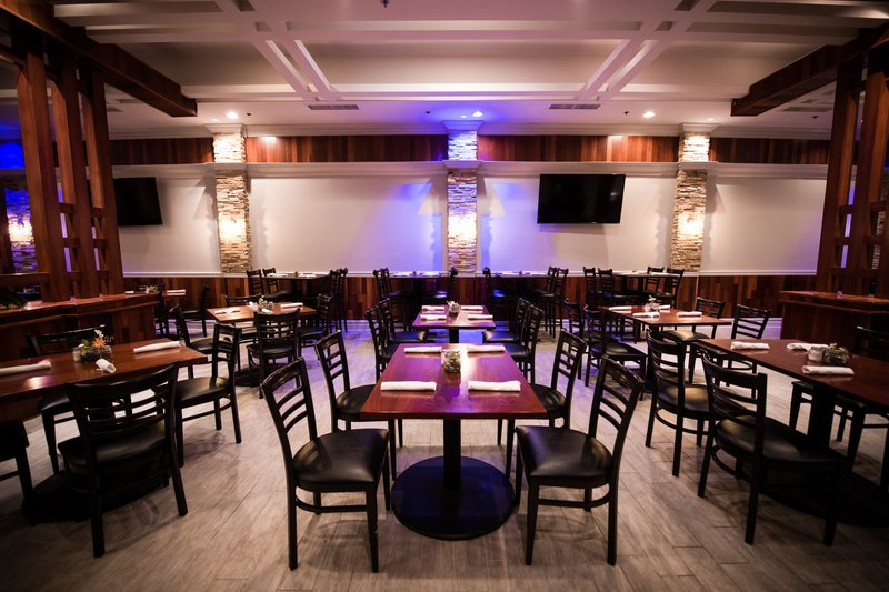 Crowne Plaza Philadelphia-Cherry Hill-Embers Restaurant with spacious seating and TVs throughout<br/>Image from Leonardo