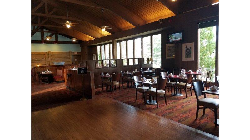 Holiday Inn Cape Cod - Falmouth-KC Bar & Grill<br/>Image from Leonardo