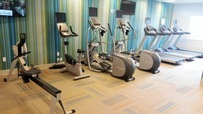 Holiday Inn Express & Suites Pahrump-A great variety of equipment in our complimentary fitness center<br/>Image from Leonardo