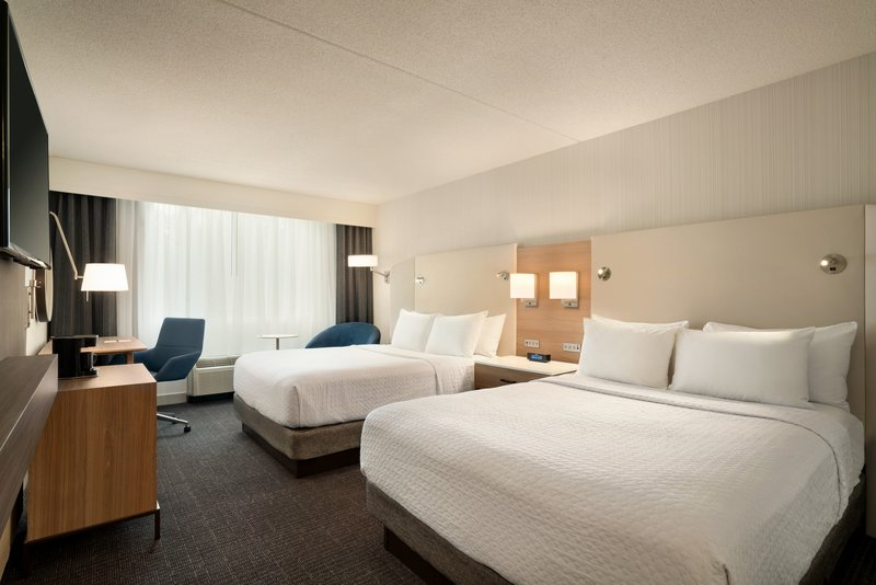 Crowne Plaza Philadelphia - King of Prussia-Guest Room with Two Queen Beds<br/>Image from Leonardo