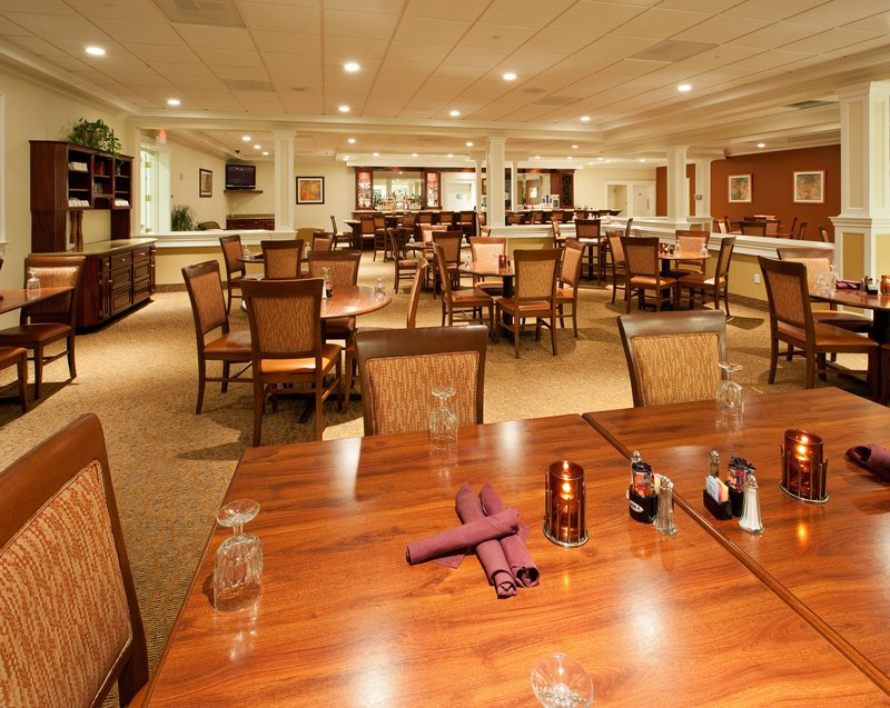 Holiday Inn Redding-Holiday Inn Hotel - Redding, CA - Restaurant<br/>Image from Leonardo