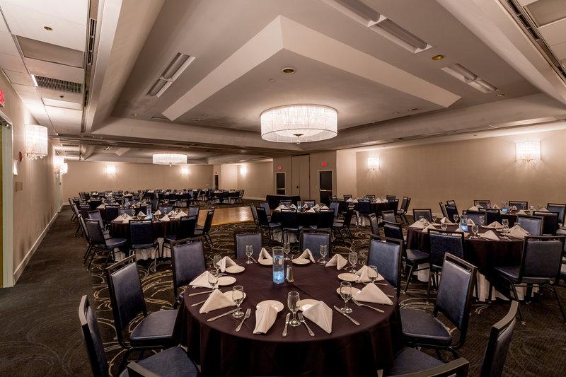 Crowne Plaza Stamford-State Ballroom<br/>Image from Leonardo