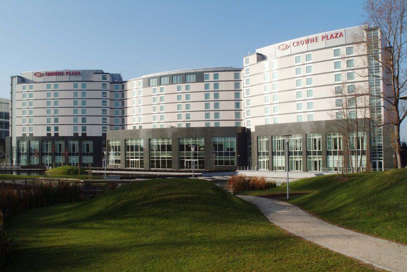Crowne Plaza Brussels Airport-Peaceful park at the back of the hotel<br/>Image from Leonardo