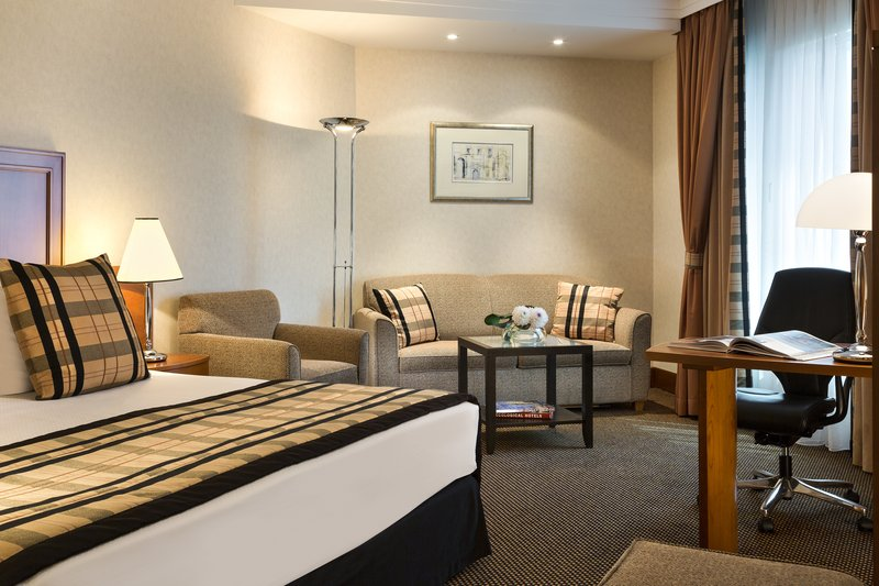 Crowne Plaza Brussels Airport-Junior Suite including Sky Lounge access, WIFI<br/>Image from Leonardo
