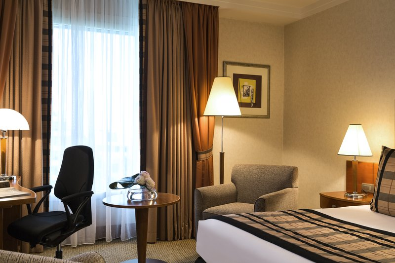 Crowne Plaza Brussels Airport-Sky Lounge access with all day free drinks<br/>Image from Leonardo