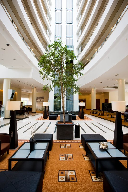 Crowne Plaza Brussels Airport-Hotel Lobby with fabulous atrium<br/>Image from Leonardo