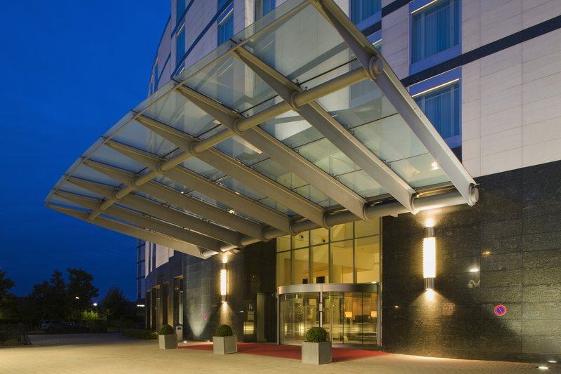 Crowne Plaza Brussels Airport-Entrance<br/>Image from Leonardo