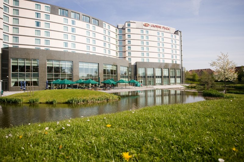 Crowne Plaza Brussels Airport-Terrace<br/>Image from Leonardo