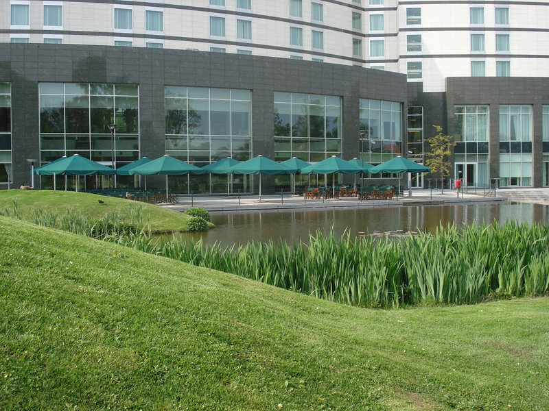 Crowne Plaza Brussels Airport-The only airport hotel with it own terrace<br/>Image from Leonardo