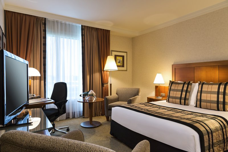 Crowne Plaza Brussels Airport-Club Room on privatized floor and Sky Lounge access and amenities<br/>Image from Leonardo
