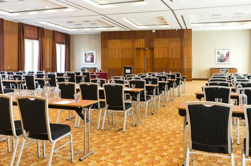 Crowne Plaza Brussels Airport-Merode Meeting room<br/>Image from Leonardo