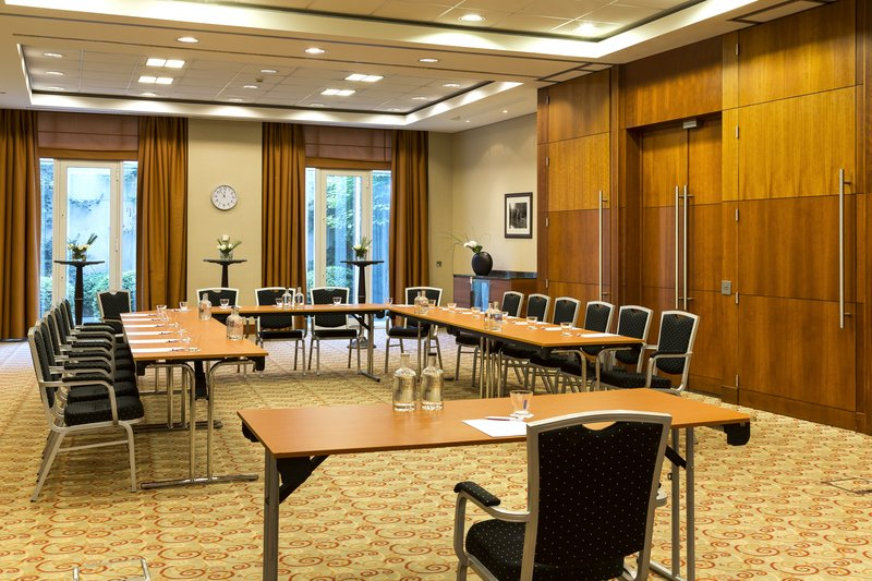 Crowne Plaza Brussels Airport-Professionnal support to organize all your meetings<br/>Image from Leonardo