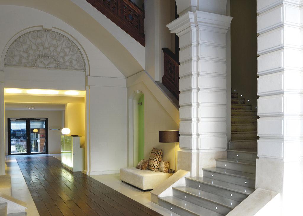Hospes Palau De La Mar - Hotel Entrance <br/>Image from Leonardo