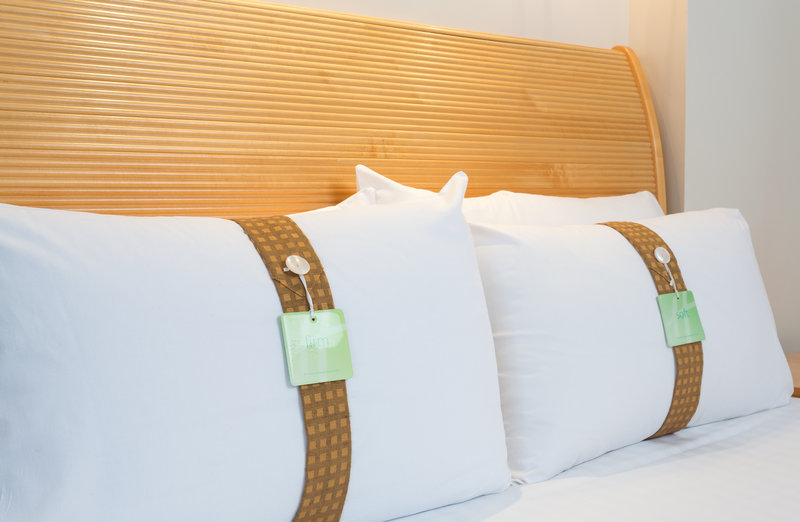 Holiday Inn Rugby-Northampton M1, Jct.18-Standard Room<br/>Image from Leonardo