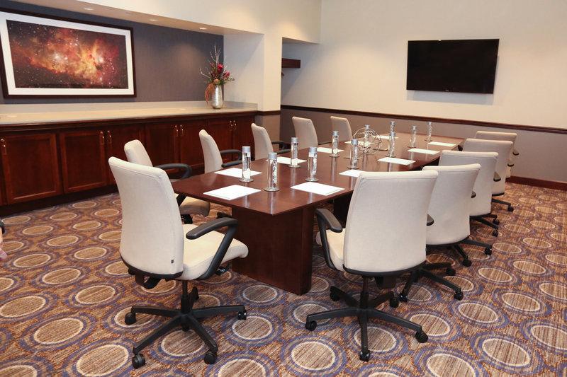 Holiday Inn Dayton/Fairborn I-675-Boardroom<br/>Image from Leonardo