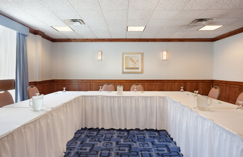 Holiday Inn Cape Cod - Falmouth-Falmouth Meeting Space Rental:  Lighthouse Meeting Room<br/>Image from Leonardo