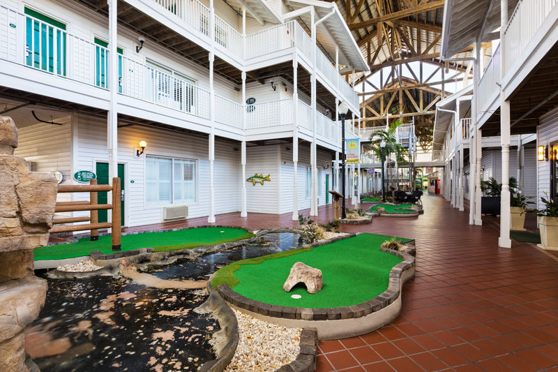 Holiday Inn & Suites Clearwater Beach S Harbour-The courtyard running though the center of our hotel.<br/>Image from Leonardo