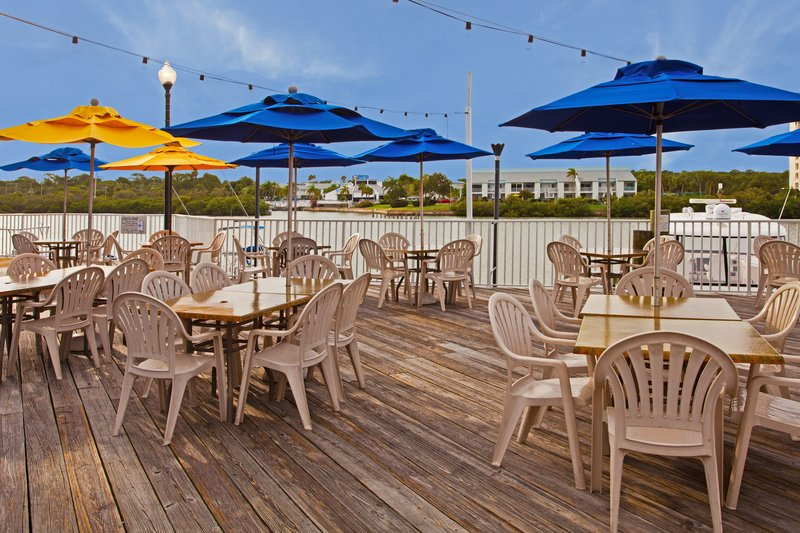 Holiday Inn & Suites Clearwater Beach S Harbour-Enjoy waterfront dining at our on-site restaurant Jimmy Guana's<br/>Image from Leonardo