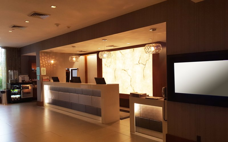 Crowne Plaza Seattle Airport-Front desk<br/>Image from Leonardo