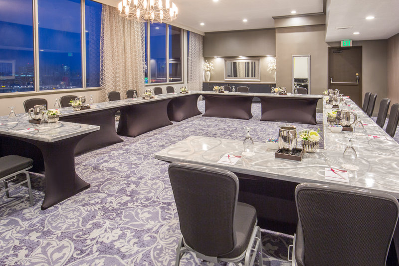 Crowne Plaza Seattle Airport-Queen Anne Room<br/>Image from Leonardo