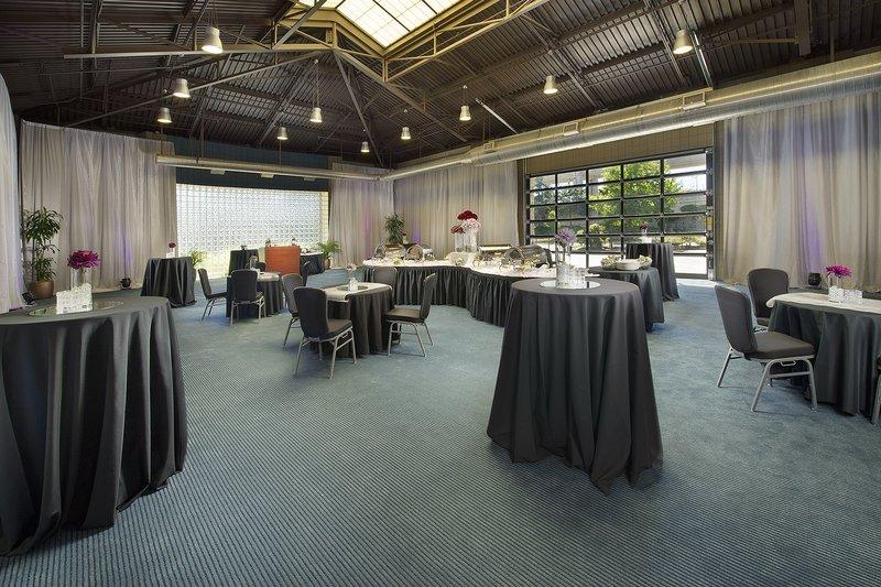 Crowne Plaza Seattle Airport-Reception Area<br/>Image from Leonardo