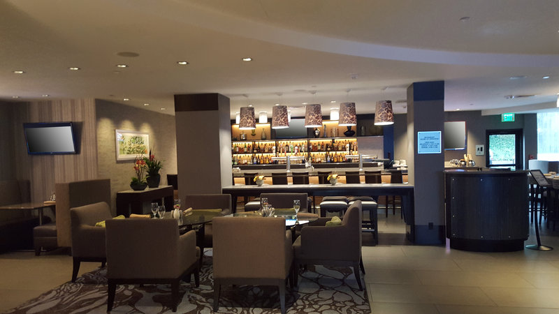 Crowne Plaza Seattle Airport-Reflections Grille bar<br/>Image from Leonardo