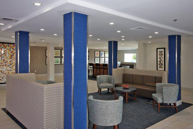 Holiday Inn Express Branford - New Haven-Hotel Lobby<br/>Image from Leonardo