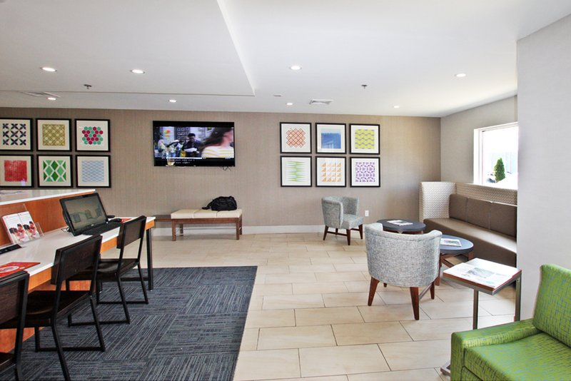Holiday Inn Express Branford - New Haven-Business Center<br/>Image from Leonardo