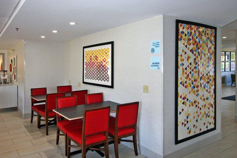 Holiday Inn Express Branford - New Haven-Breakfast Area<br/>Image from Leonardo