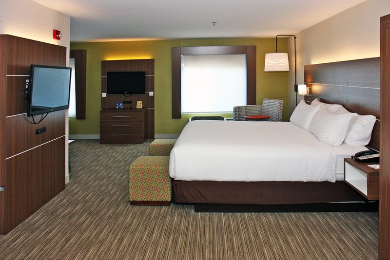 Holiday Inn Express Branford - New Haven-Suite<br/>Image from Leonardo