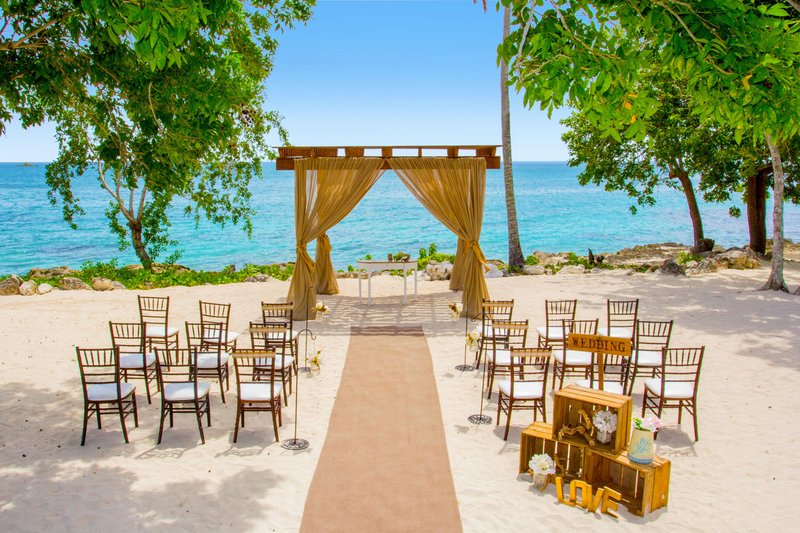 Hilton La Romana, an All Inclusive Adult Rst - Beach Event Gazebo <br/>Image from Leonardo