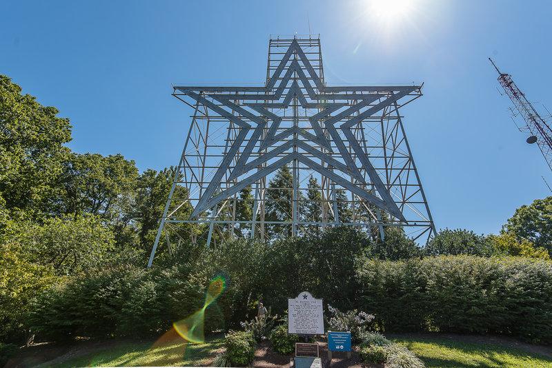 Holiday Inn Express Roanoke-Civic Center-The Roanoke Star<br/>Image from Leonardo