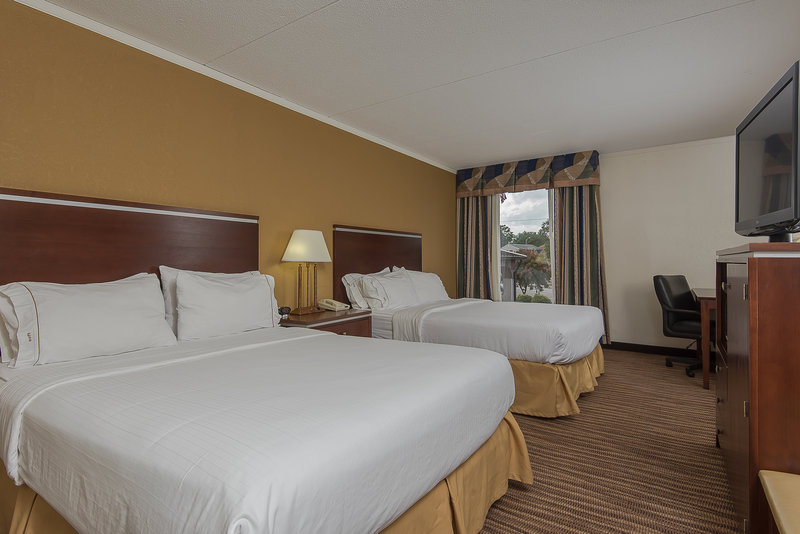 Holiday Inn Express Roanoke-Civic Center-Two Queen Guest Room<br/>Image from Leonardo