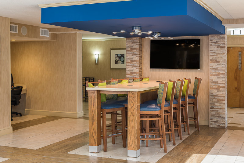 Holiday Inn Express Roanoke-Civic Center-Breakfast Area<br/>Image from Leonardo