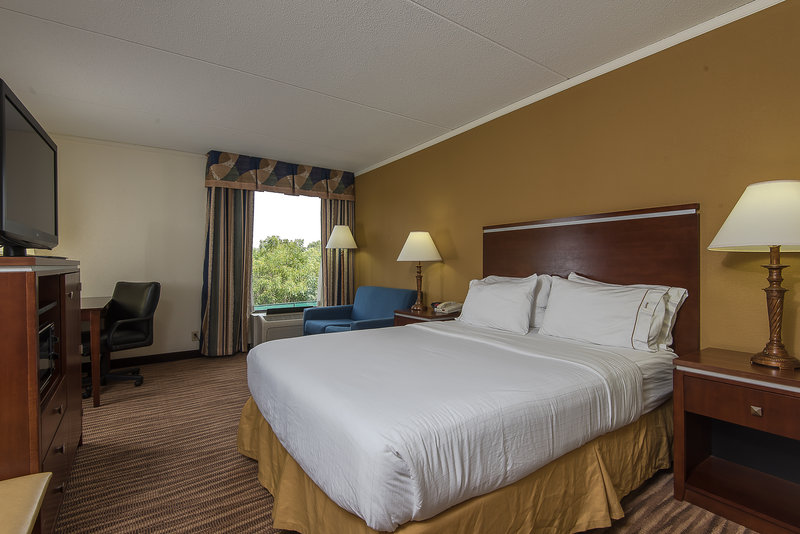 Holiday Inn Express Roanoke-Civic Center-King Guest Room with jetted tub<br/>Image from Leonardo