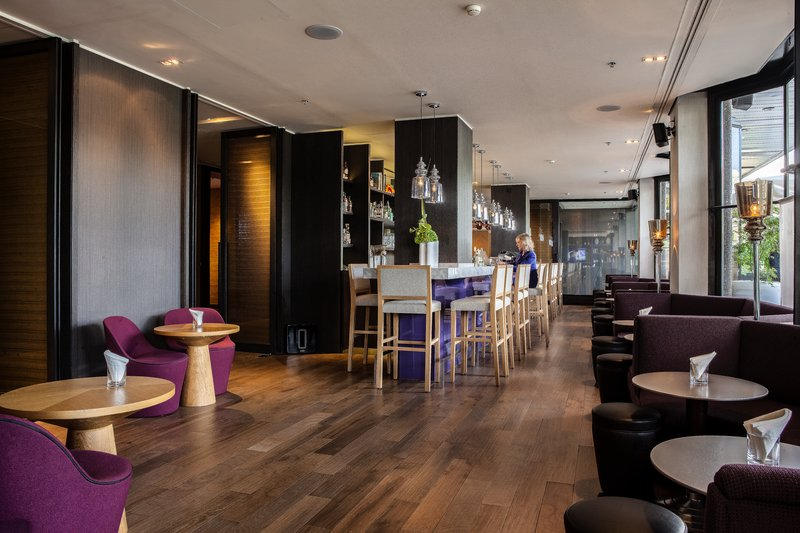Crowne Plaza Geneva-Bar and Lounge<br/>Image from Leonardo