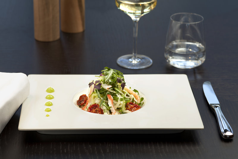 Crowne Plaza Geneva-Seventy5 restaurant fine dining<br/>Image from Leonardo