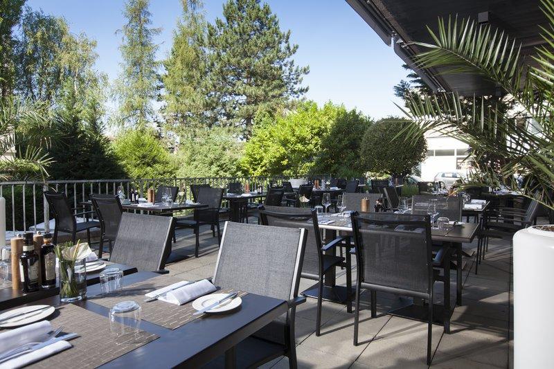 Crowne Plaza Geneva-Restaurant Seventy5 Terrace<br/>Image from Leonardo