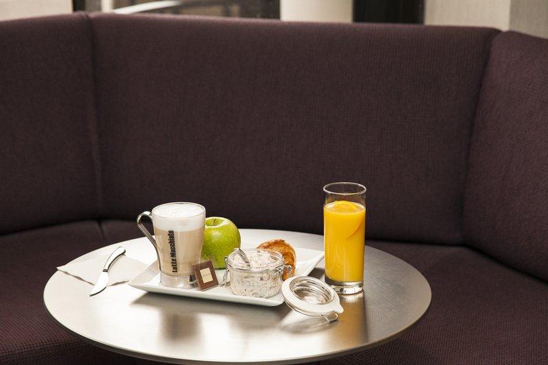 Crowne Plaza Geneva-Express breakfast in the Bar<br/>Image from Leonardo