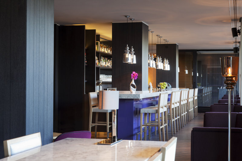 Crowne Plaza Geneva-Lobby Bar for relaxing moments with friends or colleagues<br/>Image from Leonardo