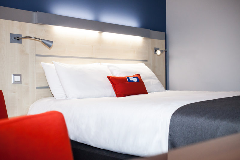 Holiday Inn Express Toulouse Airport-Standard Room<br/>Image from Leonardo