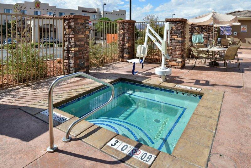 Holiday Inn Express Page - Lake Powell Area-Hot Tub (Seasonal May 15 to Oct 15)<br/>Image from Leonardo