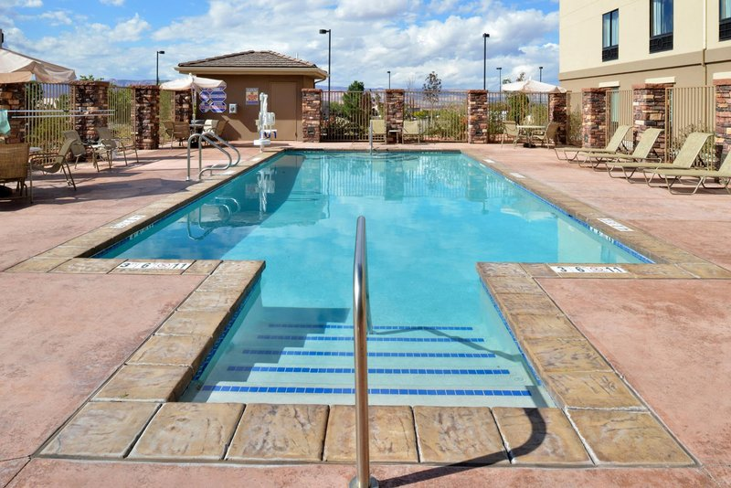 Holiday Inn Express Page - Lake Powell Area-Swimming Pool Seasonal (May 15 to Oct 15)<br/>Image from Leonardo