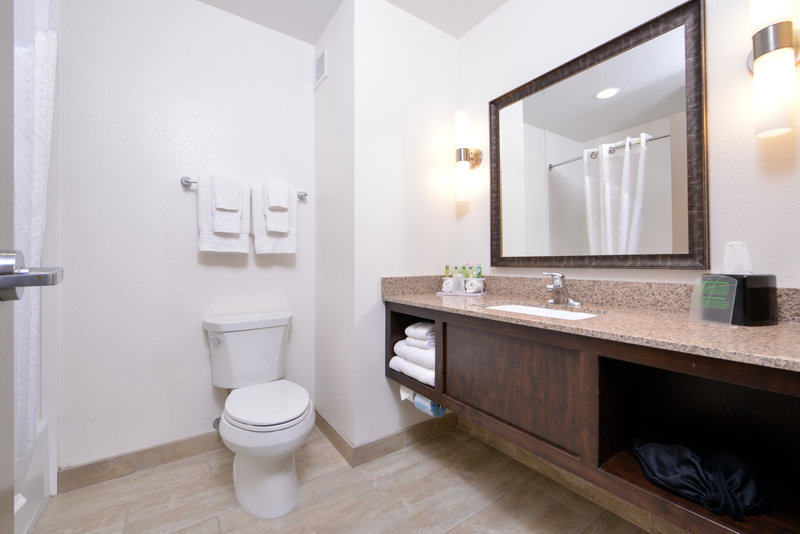 Holiday Inn Express Page - Lake Powell Area-Two Queen Bedroom<br/>Image from Leonardo
