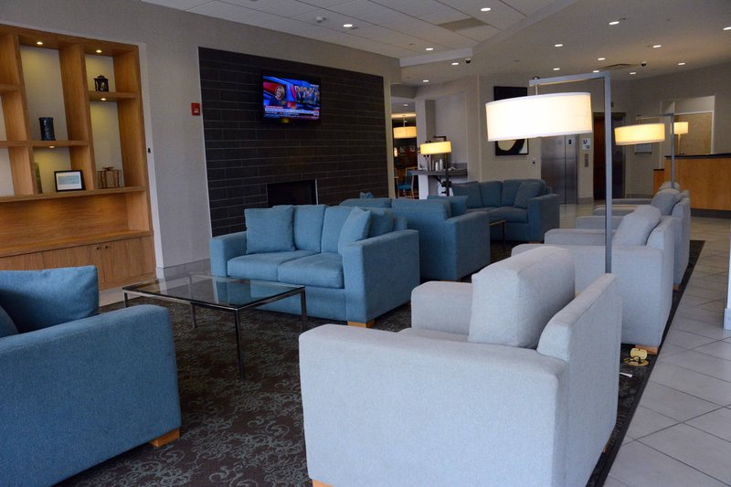 Holiday Inn Express & Suites Stamford-Holiday Inn Express Entrance<br/>Image from Leonardo