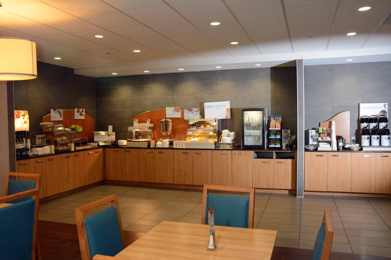 Holiday Inn Express & Suites Stamford-Holiday Inn Express Stamford Great Room<br/>Image from Leonardo