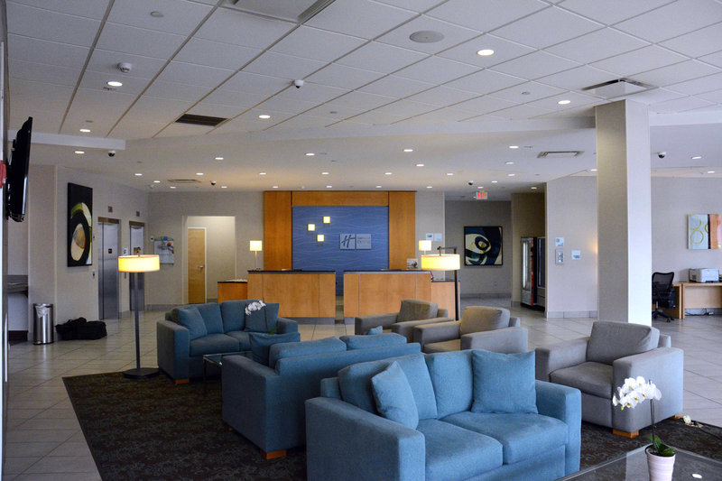 Holiday Inn Express & Suites Stamford-Holiday Inn Express Stamford Lobby<br/>Image from Leonardo